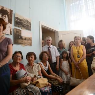 Библиотекари на выставке, посвященной Марине Цветаевой
