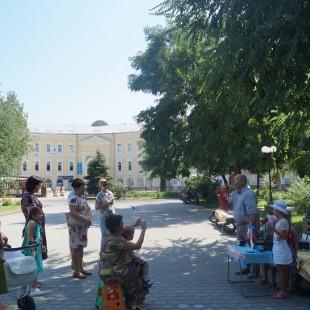 «Литературное ассорти» в Братском саду