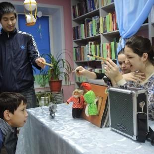 Домашний театр «Балаган-чик» в гостях у клуба «Петрушка»