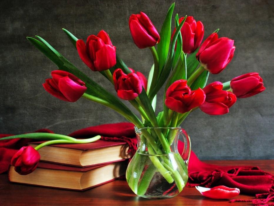 Международный женский день в городских библиотеках — ждем в гости!